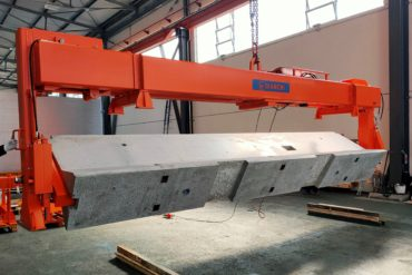 Lifting and Turning device for New Jersey barriers